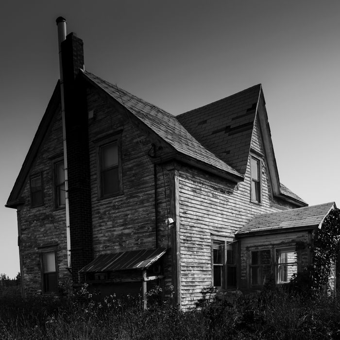 Find House: Here's How You Sell A Haunted House