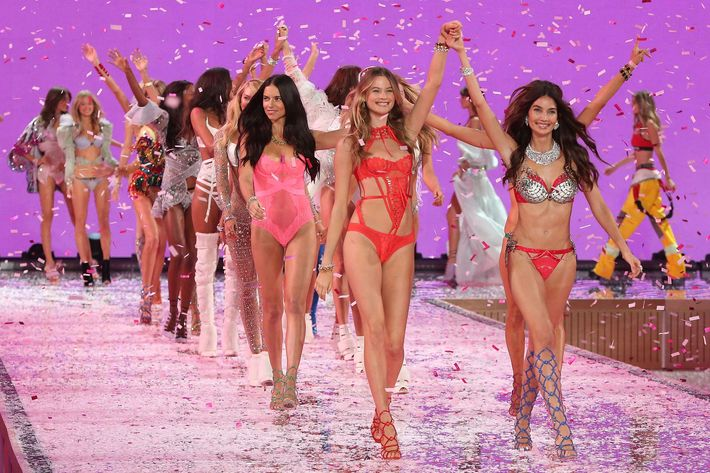At front, Behati Prinsloo and Lily Aldridge.