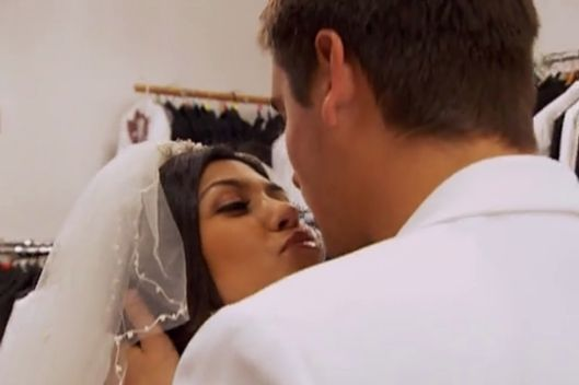 We Know They Re Not Getting Married Kourtney And Scott But Play Through The Scenes Like Two Twitter Bots Spitting