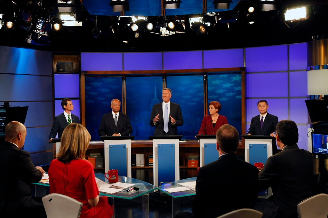 NEW YORK, NY - SEPTEMBER 03: Democratic primary candidates for Mayor of New York City (L - R) Anthony D. Weiner, William C. Thompson Jr., Bill de Blasio, Christine C. Quinn, and John C. Liu face off in the final debate one week before the primary on September 3, 2013 in New York City. Residents go to the polls September 10 for the primary election. (Photo by Andrew Hinderaker-Pool/Getty Images)