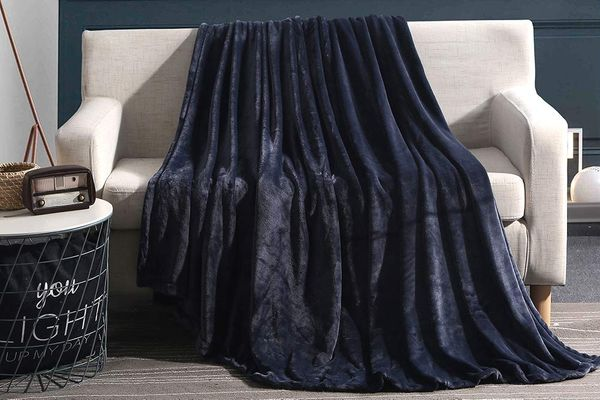 12 Best Plush Blankets 2019 The Strategist New York Magazine