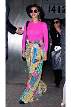 Beyonce departs a Midtown office building, NYC.