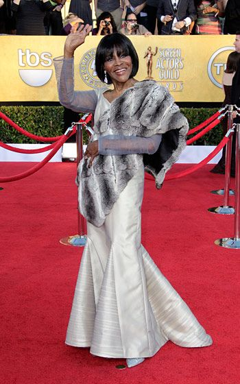 LOS ANGELES, CA - JANUARY 29:  Actress Cicely Tyson arrives at the 18th Annual Screen Actors Guild Awards held at The Shrine Auditorium on January 29, 2012 in Los Angeles, California.  (Photo by Jeff Vespa/WireImage)
