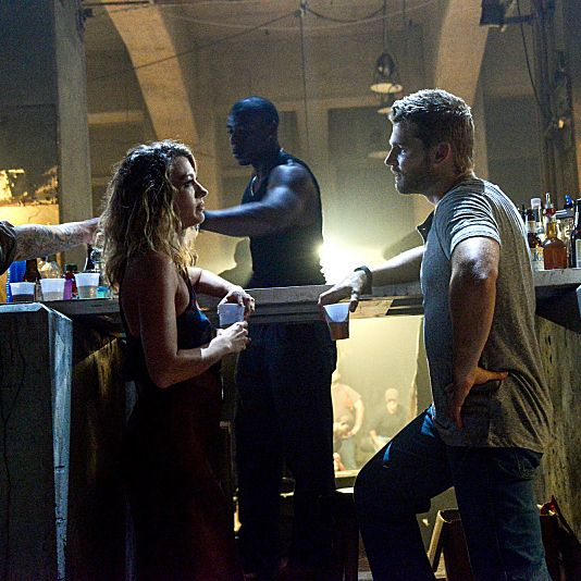 Julia uncovers the truth about her husband'™s disappearance and unravels some of Chester Mill's darkest secrets. Meanwhile, Maxine (Natalie Zea ) shows Barbie(Mike Vogel) how she plans to take control of the town, on UNDER THE DOME