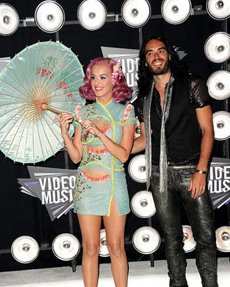 LOS ANGELES, CA - AUGUST 28: Singer Katy Perry (L) and actor Russell Brand arrive at the 2011 MTV Video Music Awards at Nokia Theatre L.A. LIVE on August 28, 2011 in Los Angeles, California. (Photo by Jason Merritt/Getty Images)