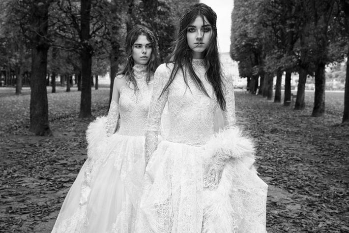 10 Insanely Beautiful Dresses For The Fall 2018 Bride