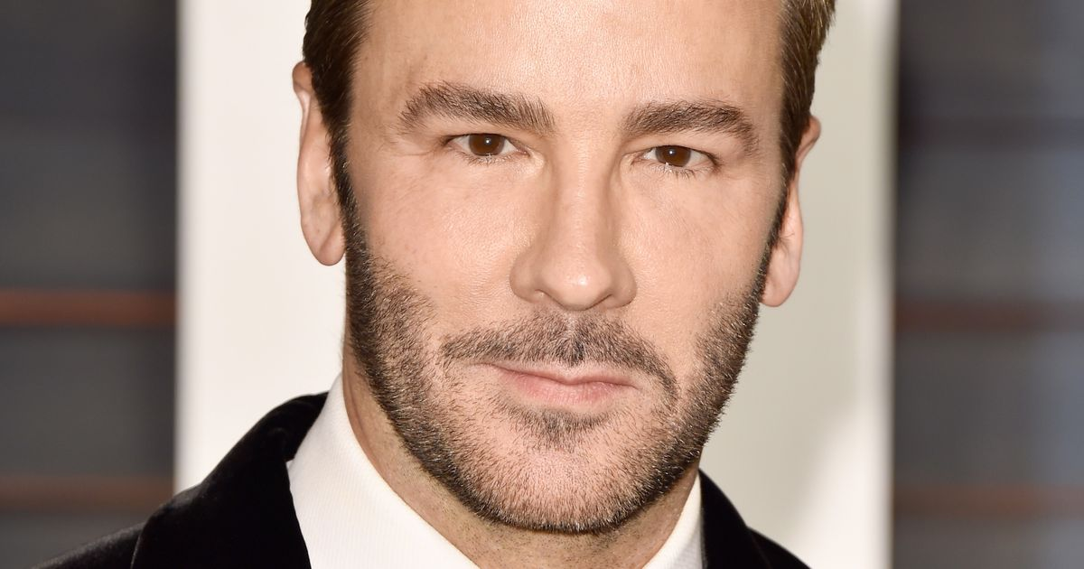 tom ford objectifies womans bodies And i'm left with the feeling that tom ford's second feature film is a love letter to   unmarked bodies into a beautiful, vaguely suggestive pose on top of a  there  are signs that the film is aware of the way it objectifies women.