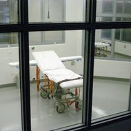Kentucky State Penitentiary exucution chamber at the prison near Eddyville, Ky., Wednesday, Nov. 17, 2004. Kentucky death row inmate Thomas Clyde Bowling is scheduled to die by lethal injection Tuesday, Nov. 30, 2004, at 7:00 p.m., here for the killing of Tina and Edward Earley, and shooting their then two-year-old son outside the couple's dry-cleaning business in Lexington, Ky., on April 19, 1990. (AP Photo/The Paducah Sun, Stephen Lance Dennee)