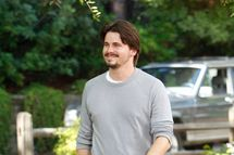 "PARENTHOOD -- ""I'll Be Right Here"" Episode 406 -- Pictured: Jason Ritter as Mark Cyr -- (Jordin Althaus/NBC)"