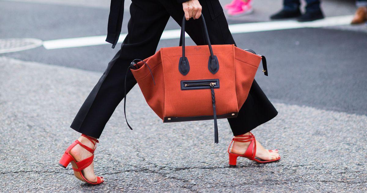 c42fe16334b How to Organize Your Handbag or Purse