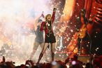 Taylor Swift performs onstage during the MTV EMA's 2012 at Festhalle Frankfurt on November 11, 2012 in Frankfurt am Main, Germany.