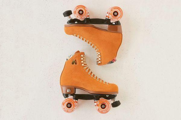 Moxi UO Exclusive Suede Roller Skates