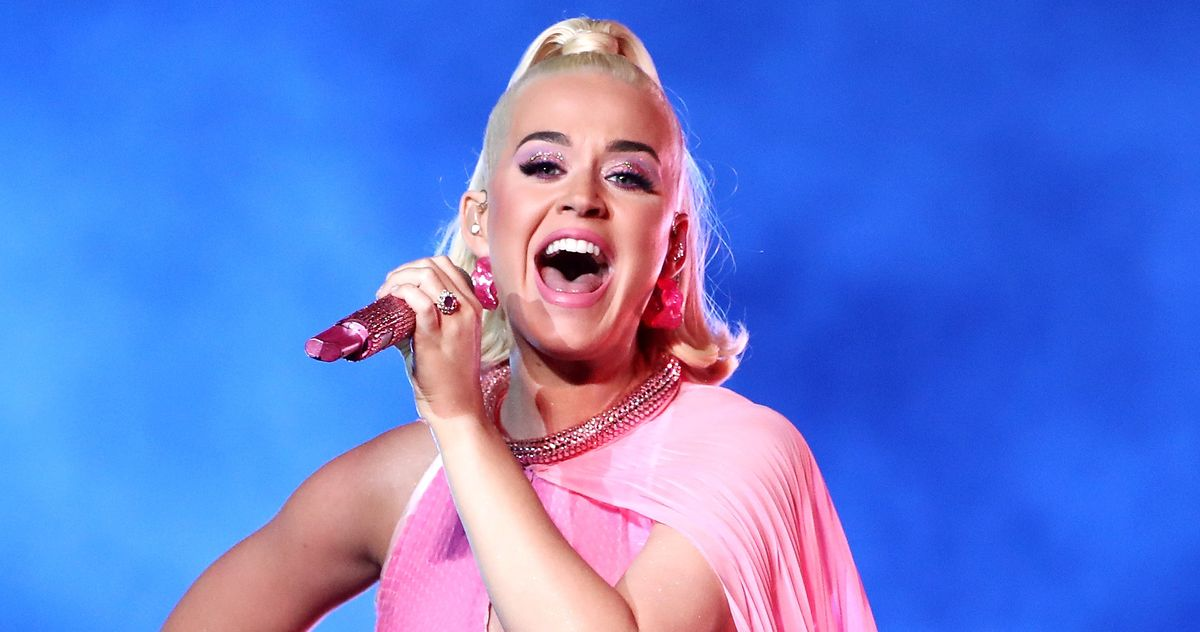 """Katy Perry's New Single Reminds Us All to """"Smile"""""""