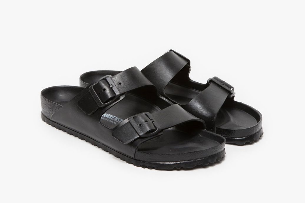 Birkenstock Arizona in Black EVA