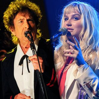 Kesha Got a Hug From Bob Dylan After Jerry Seinfeld Hug Fail