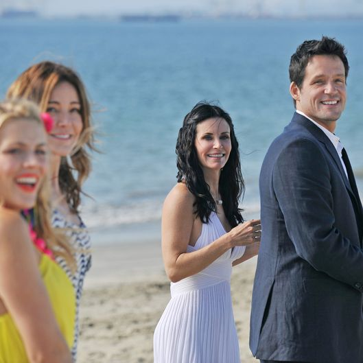 "COUGAR TOWN - ""Cougar Town"" wraps up the season with two back-to-back episodes for the Season Finale, TUESDAY, MAY 29 (8:00-9:00 p.m., ET) on ABC. In ""Your World,"" Part 2, fed up with the lack of privacy, Grayson convinces Jules to elope to Napa . . .  but then the cul de sac crew happily tags along. In this episode, David Arquette guest stars as a hotel concierge who'll go to great (and possibly illegal) lengths to help the wine wedding go off without a hitch."