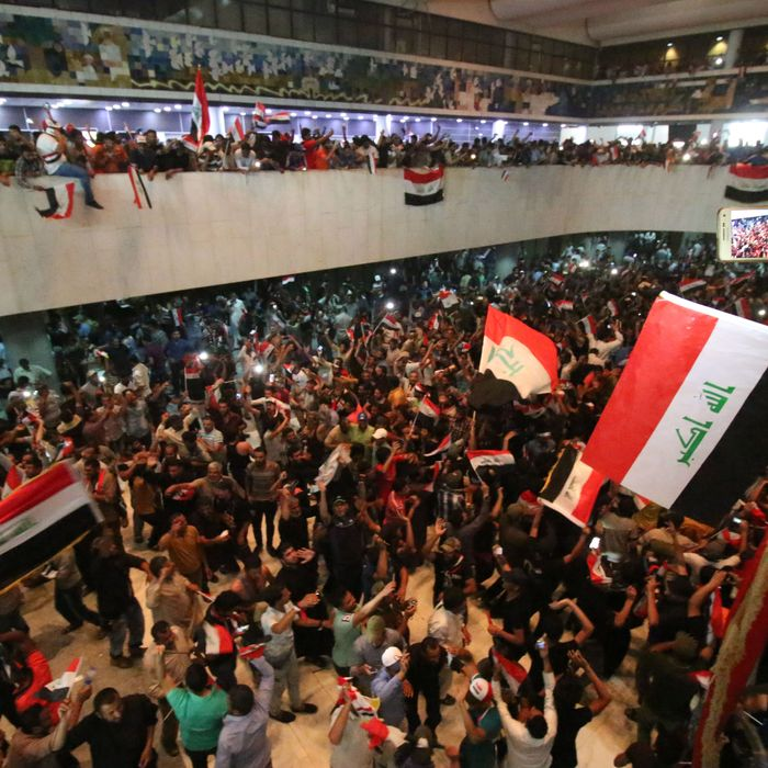 TOPSHOT-IRAQ-POLITICS-PROTEST