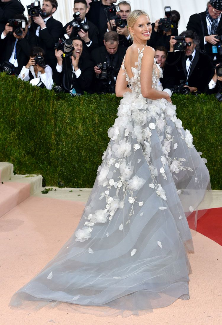 Karolina Kurkova demonstrating the dress from another angle