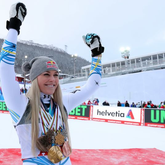 Lindsey Vonn Retires From Snowboarding With One Final Medal - The Lower
