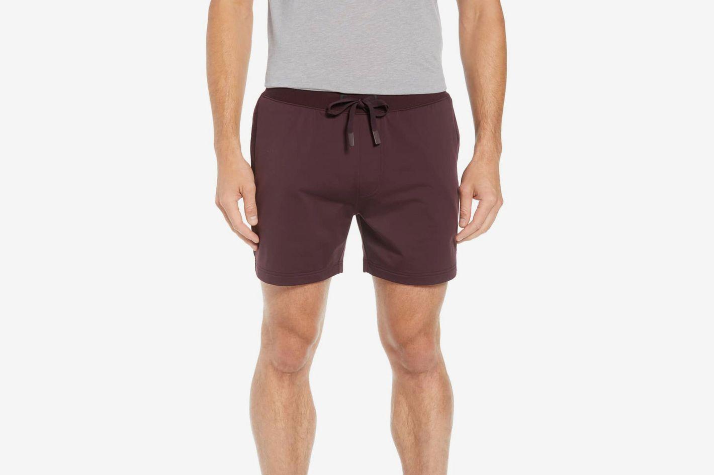 a2e0745a09 The 15 Best Yoga Clothes for Men 2019