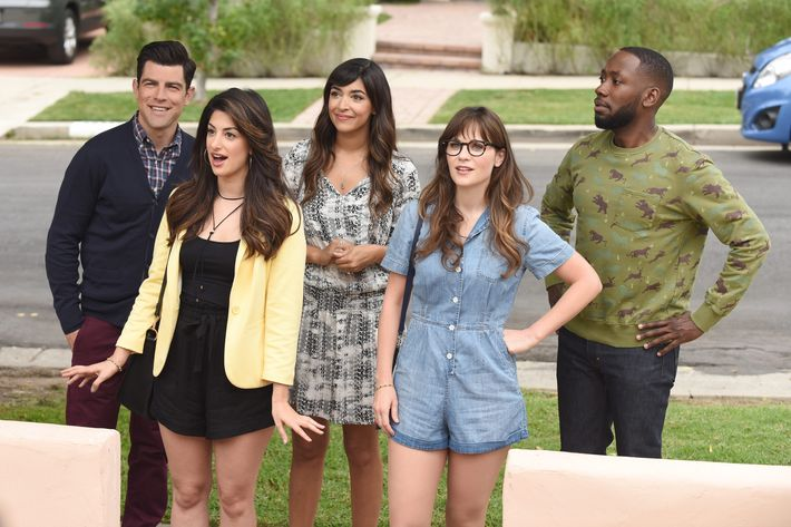"NEW GIRL:   L-R:  Max Greenfield, guest star Ayden Mayeri, Hannah Simone, Zooey Deschanel and Lamorne Morris in the ""House Hunt"" season premiere episode of NEW GIRL airing  Tuesday, Sept. 20 (8:30-9:00 PM ET/PT) on FOX.  ©2016 Fox Broadcasting Co.  Cr:  Ray Mickshaw/FOX"