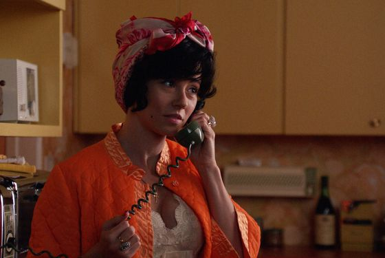 "Sylvia Rosen (Linda Cardellini) - Mad Men _ Season 6, Episode 7_""Man With A Plan"" - Photo Credit: Courtesy of AMC"