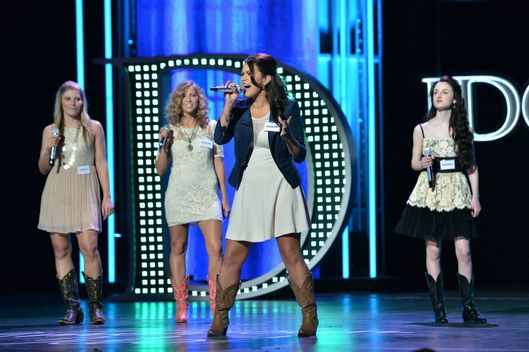 AMERICAN IDOL: Hollywood Round: Contestants perform on AMERICAN IDOL airing Wednesday, Feb. 13 (8:00-10:00 PM ET/PT)