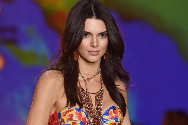 Here's a pic of the last time I, Kendall Jenner, worked out. It was taken in November!