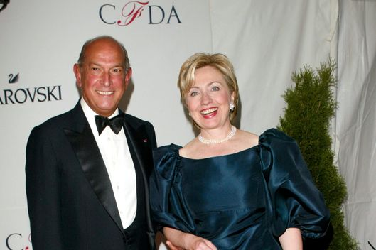 Sen. Hillary Clinton with designer Oscar De La Renta arriving at the 2002 CFDA Fashion Awards at The New York Public Library in New York City. June 3, 2002. Photo: Evan Agostini/ImageDirect