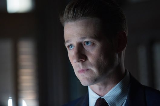 "GOTHAM: L-R: Ben McKenzie in the ""Rise of the Villains: Tonight's the Night"" episode of GOTHAM airing Monday, Nov. 9 (8:00-9:00 PM ET/PT) on FOX. ©2015 Fox Broadcasting Co. Cr: Nicole Rivelli/FOX."