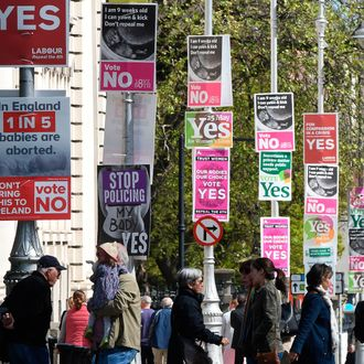 Posters in Dublin urging passerby to either vote Yes or No.