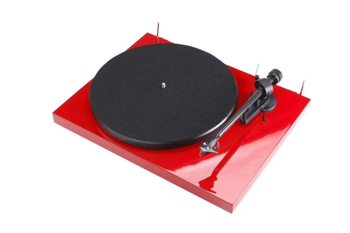 Professional DJs Give Advice on Which Turntables to Buy