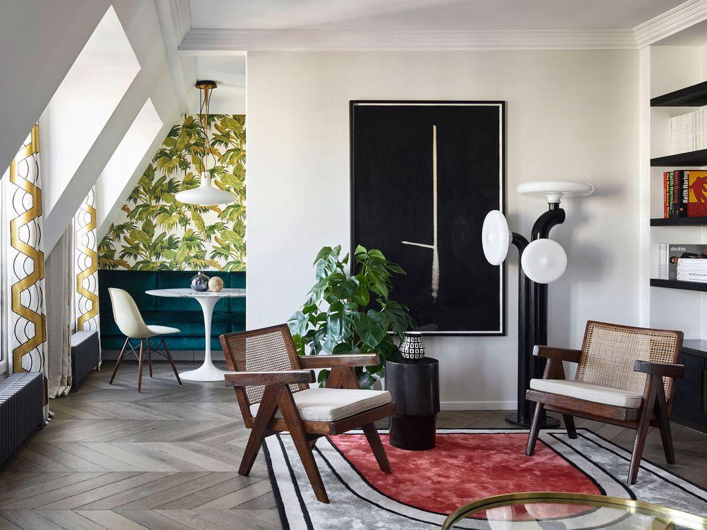 The Exuberant Charms of a Paris Pied-à-Terre