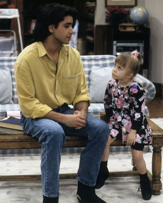 JOHN STAMOS;MARY-KATE/ASHLEY OLSEN