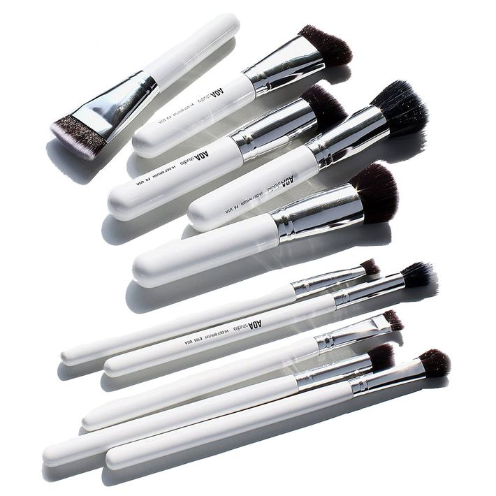 AOA Studio Brush Set.
