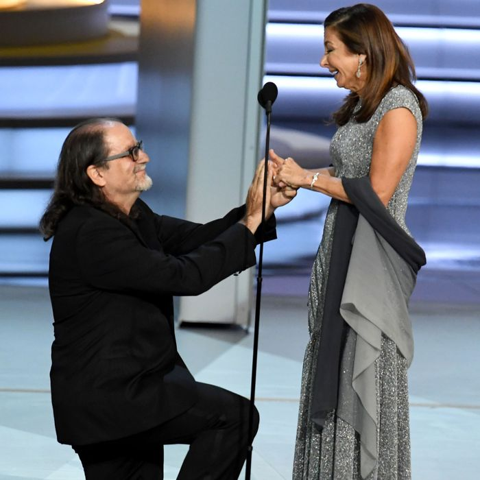 Glenn Weiss proposing to his girlfriend.
