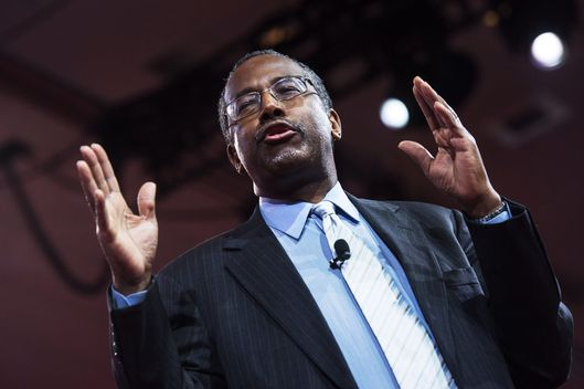 US conservative Ben Carson addresses the annual  Conservative Political Action Conference (CPAC) at National Harbor, Maryland, outside Washington, DC on February 26, 2015.    AFP PHOTO/NICHOLAS KAMM        (Photo credit should read NICHOLAS KAMM/AFP/Getty Images)