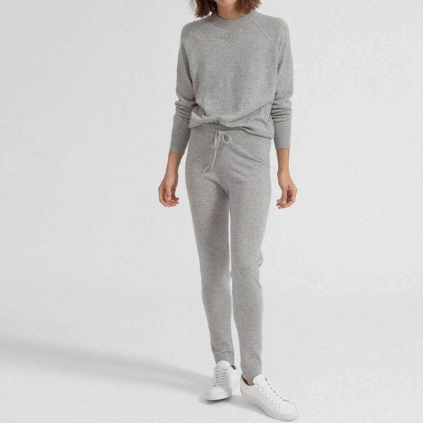 women gray everlane sweatpants - stategist cyber monday