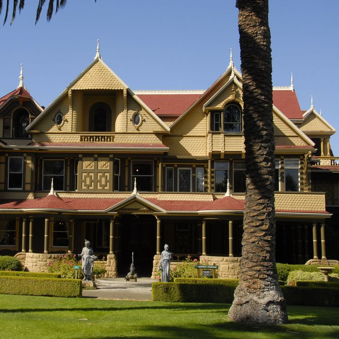 Here\'s What You Need to Know About the Real Winchester House
