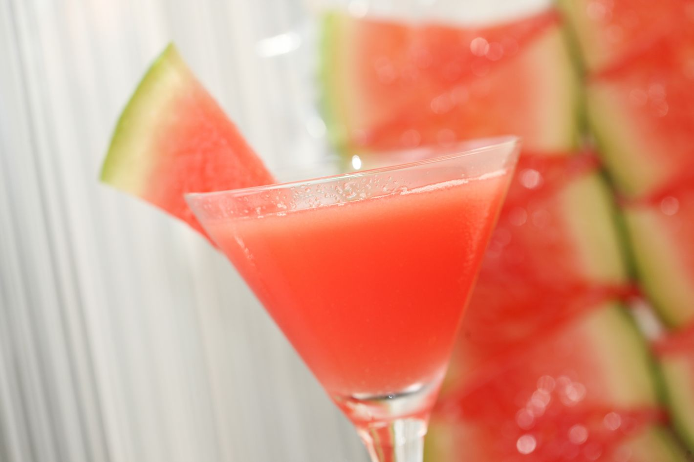 http://pixel.nymag.com/imgs/daily/grub/2012/06/26/26-watermellon-juice-craft-martini.jpg