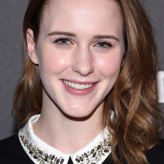 house of cards rachel brosnahan to play a comedian in amy sherman