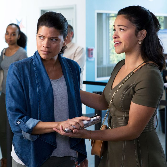 How Jane the Virgin's Cancer Narrative Came Together