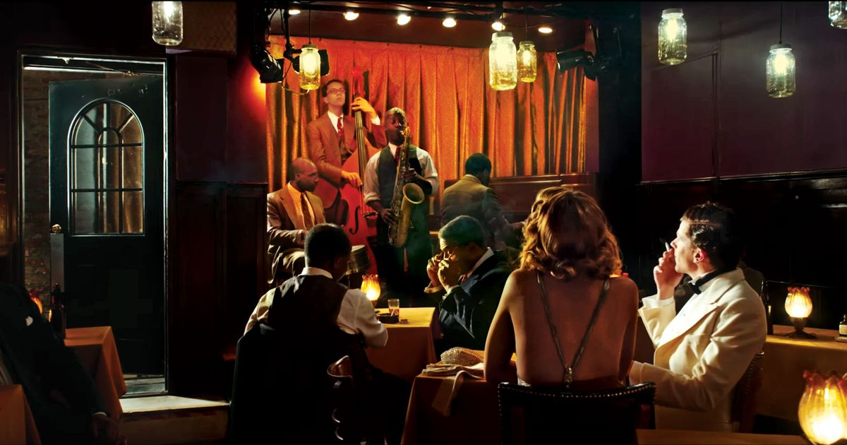 Woody Allen Returns to Old Hollywood in Café Society