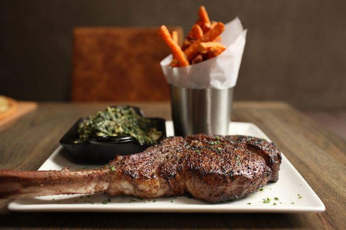 http://pixel.nymag.com/imgs/daily/grub/2011/08/16/16_delfriscos.JPG