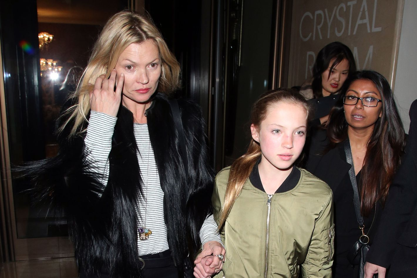 Kate Moss is an Embarrassing' Mom, Says Daughter LilaGrace Kate Moss is an Embarrassing' Mom, Says Daughter LilaGrace new foto