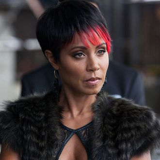 GOTHAM: Fish (Jada Pinkett Smith) meets with business associates in the