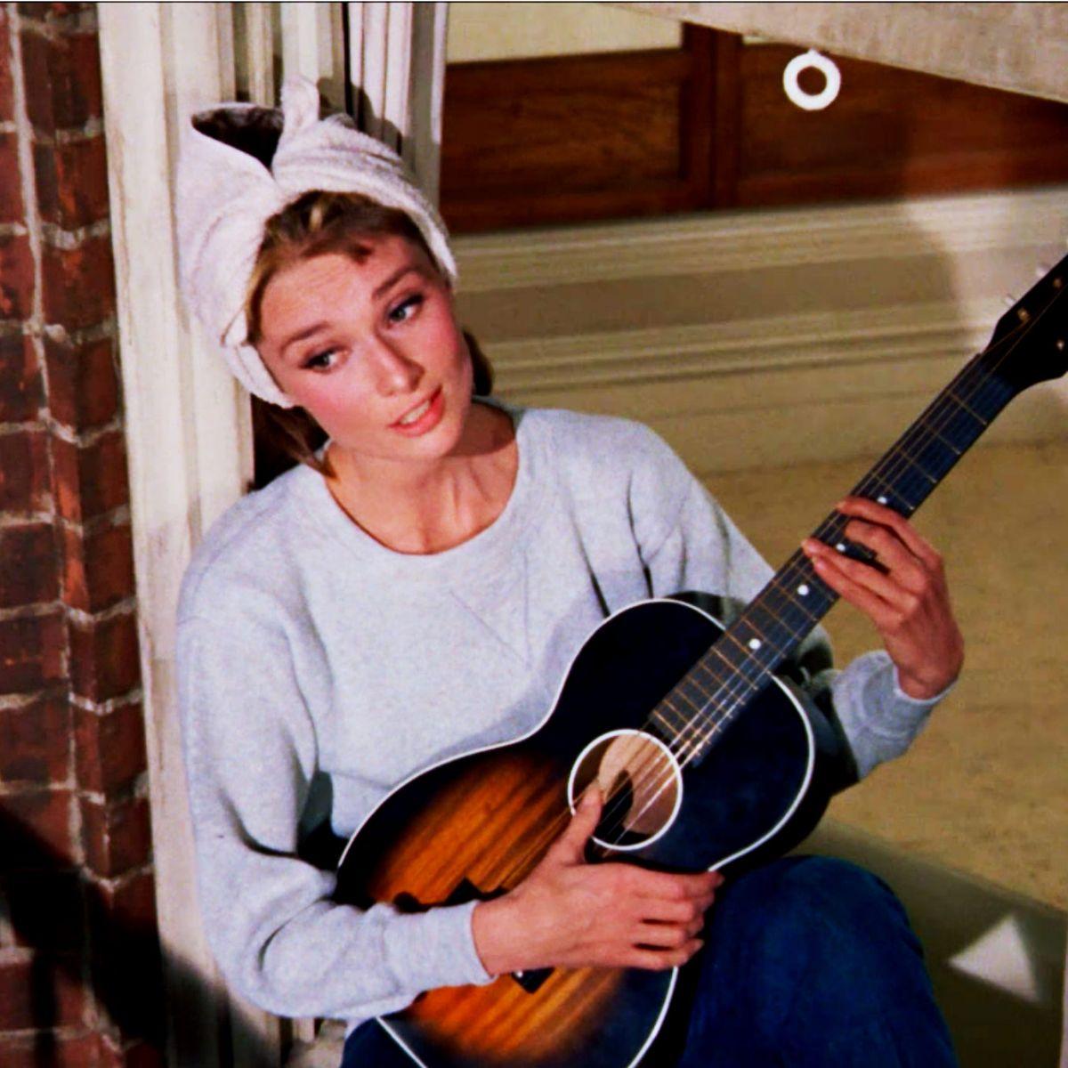 8 Best Acoustic Guitars For Beginners 2020 The Strategist New York Magazine