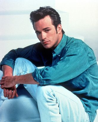 f69ecb67 Luke Perry's Most Essential Beverly Hills, 90210 Episodes