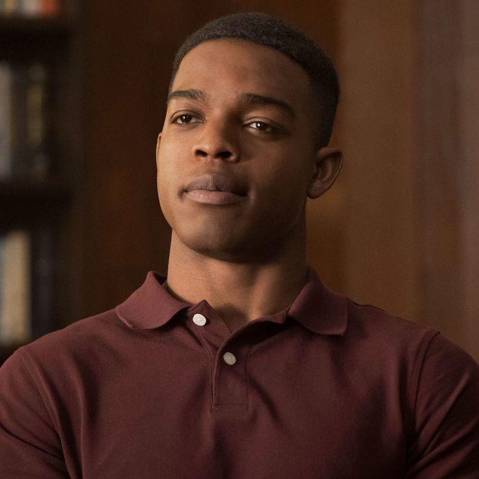 Homecoming Season 1 Premiere Recap Episode 1: 'Mandatory'