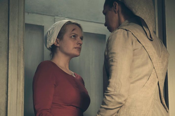 elisabeth moss as offred photo george kraychyk hulu the handmaid s tale